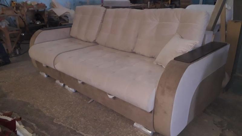 Прямой диван на заказ (модель №1)