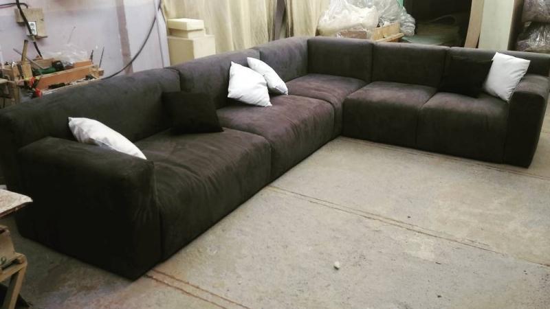 Угловой диван на заказ (модель №10)